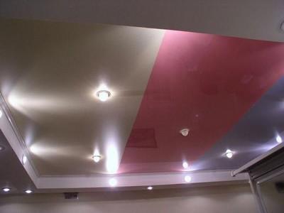 Установка подвесных потолков в квартире